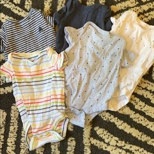 Set of 5 Gap short sleeved Onesies